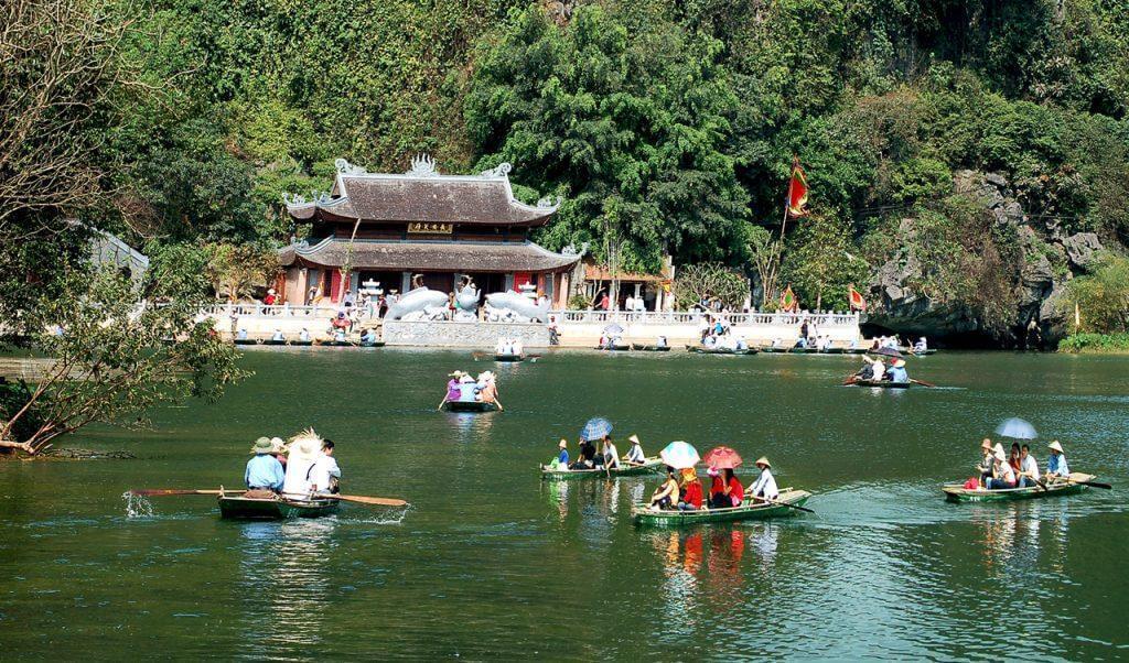 Gợi ý một số tuyến du lịch tham quan dành cho khách đi tour Chùa Hương