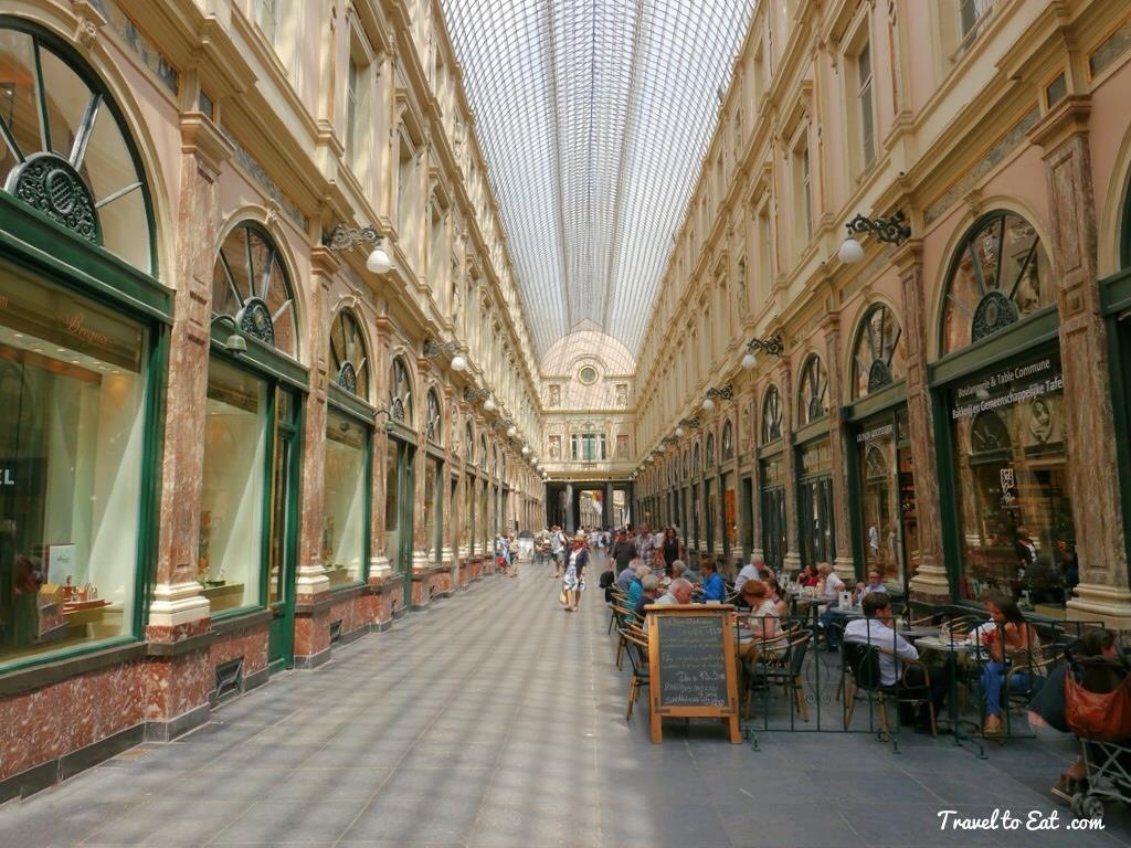 6. Phố Galeries Royales Saint-Hubert, Brussels (Bỉ)