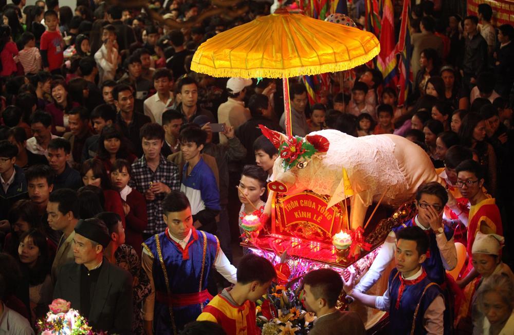 Lễ hội rước lợn ông Bồ