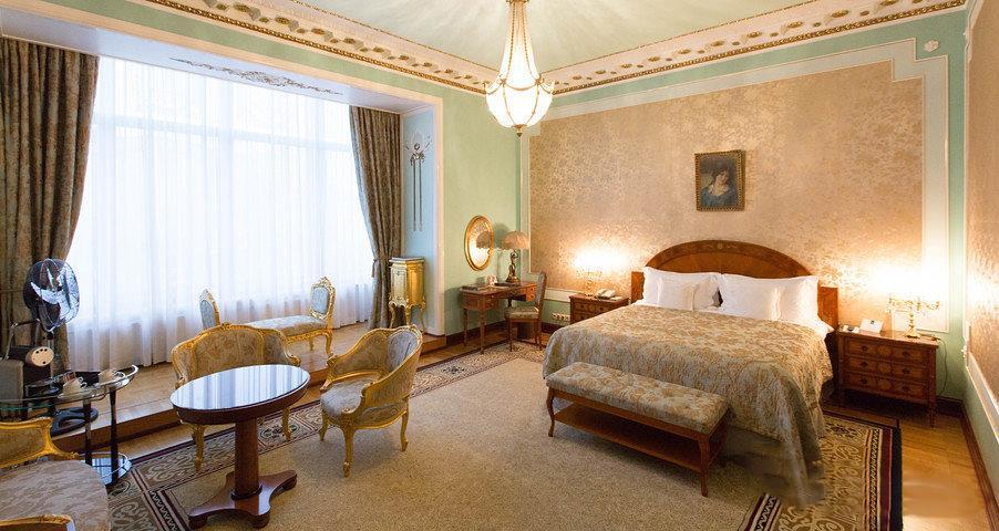 4. Khách sạn nào đáng 'chọn mặt gửi vàng' khi du lịch Nga?