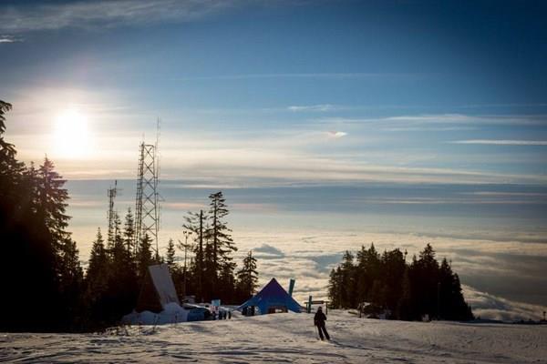 Núi Gà gô trắng – Grouse Mountain