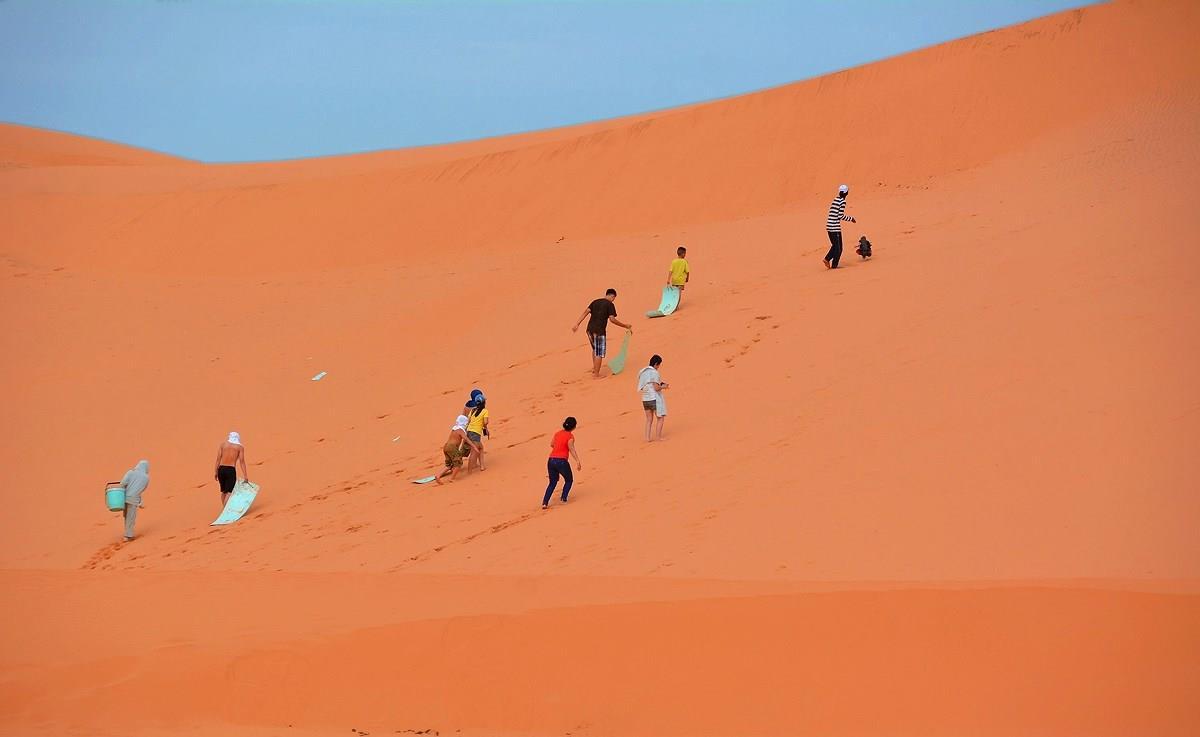 Sắc màu đồi cát bay Mũi Né