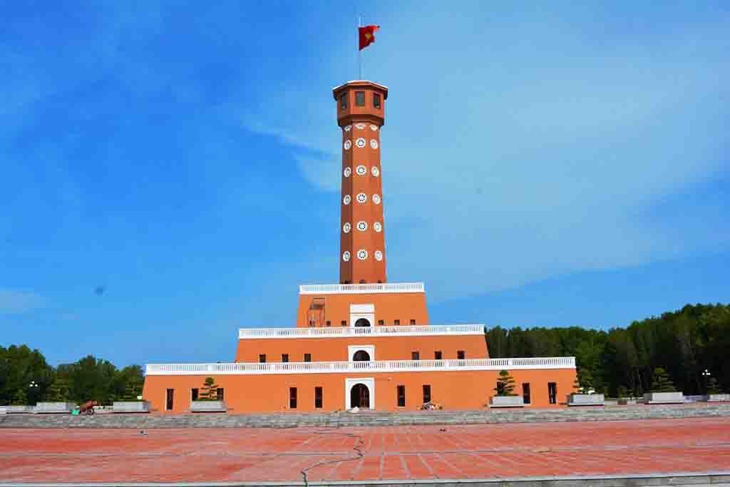 Cột cờ Hà Nội tại cực Nam của Tổ quốc – Cà Mau