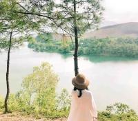Du lịch Huế ngắm đồi Vọng Cảnh mộng mơ