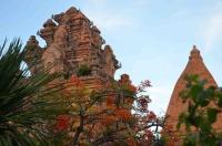Xuyên Việt từ Nam ra Bắc, chiêm ngưỡng công trình biểu tượng 3 miền